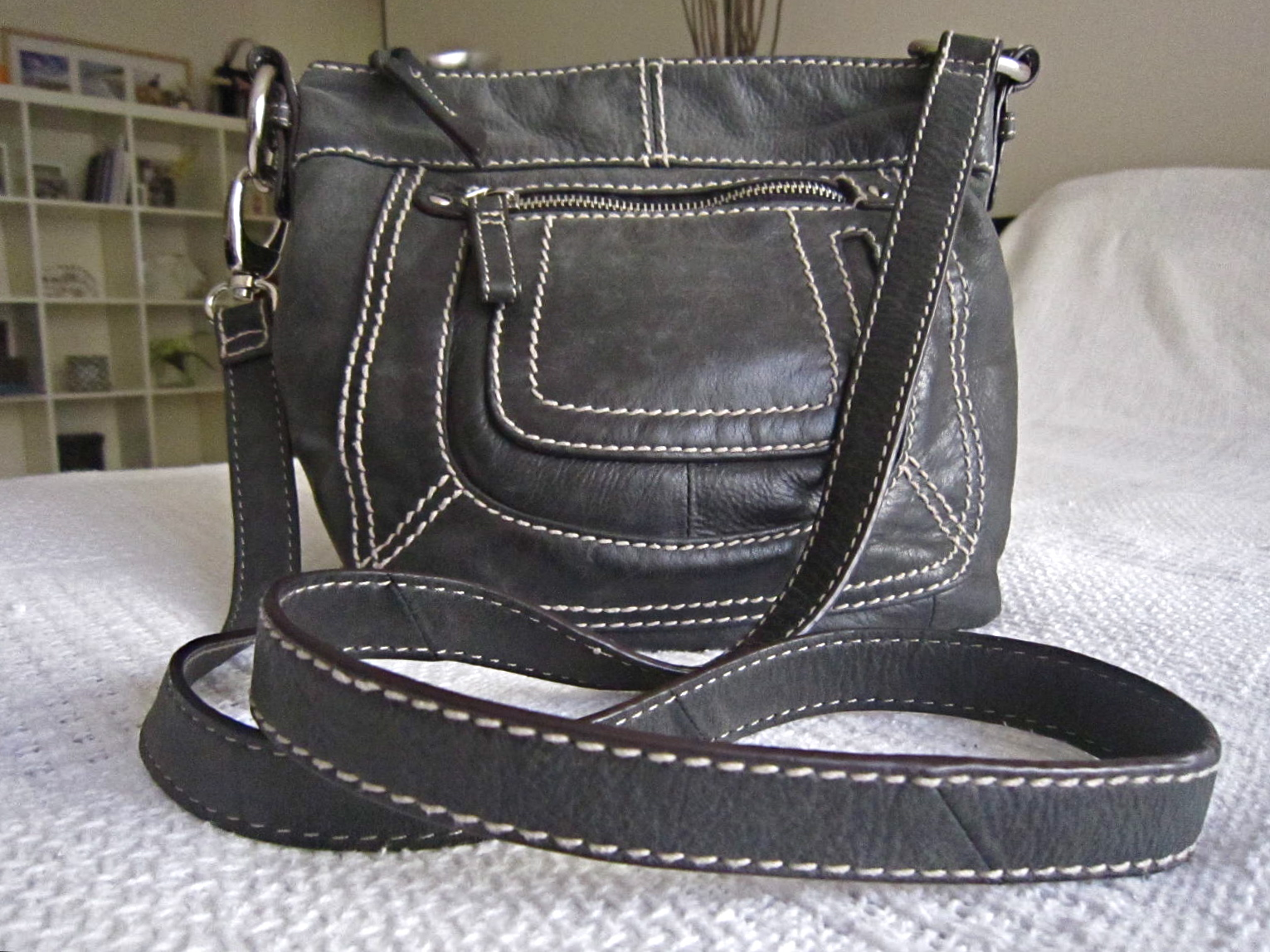 Danier Black Leather Crossbody Bag Luxurylana Boutique f09f1aaa13b02