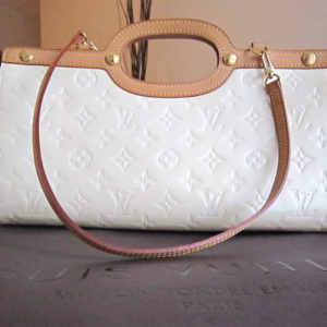 Louis Vuitton Perle Monogram Vernis Roxbury Drive Bag