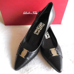 Salvatore Ferragamo Black Leather Tiasa Pumps